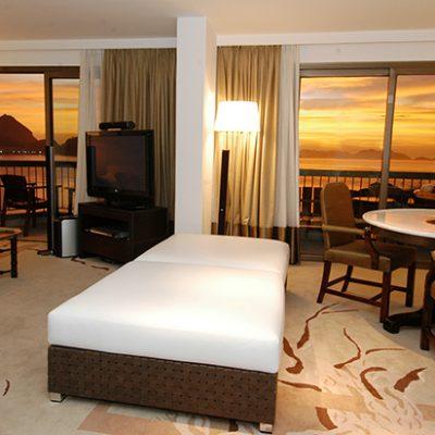 web_Sofitel Copacabana Luxury Hotel-imperial-suite-living-room-sofitel-rio-de-janeiro-copacabana