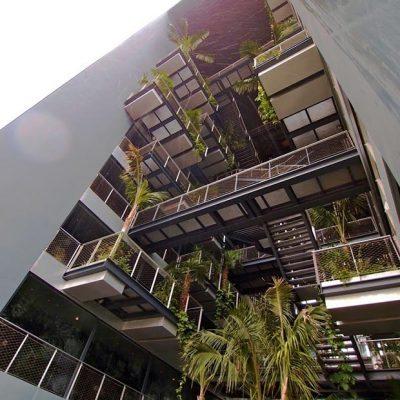 web_renaissance_barcelona_fira_Vertical-garden-of-Renaissance-Barcelona-Fira-Hotel-by-Jean-Nouvel-05