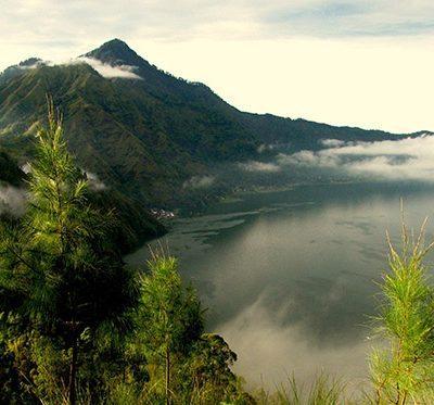 web_kmbalitours.comBatur-Caldera-Sunrise-Trekking-Bali-Hiking