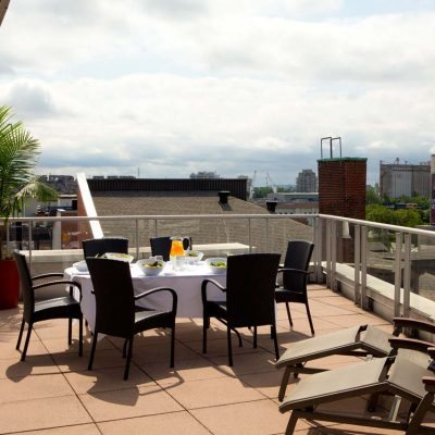 ExecutiveSuiteBalcony_creditHotelSt-Sulpice