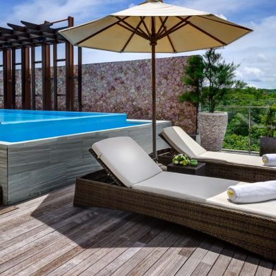 the_penthouse_swimmng_pool_and_sundeck