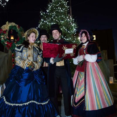 yuletide-carolers_23641128532_o