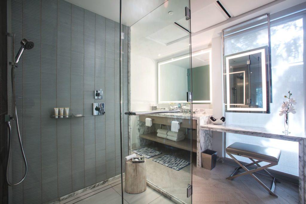 H2O Suites Bath