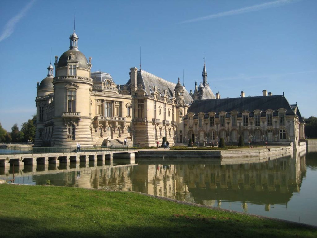 DAY TRIPS AND TOURS-CHÂTEAU DE CHANTILLY
