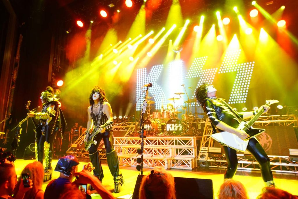 The KISS Kruise