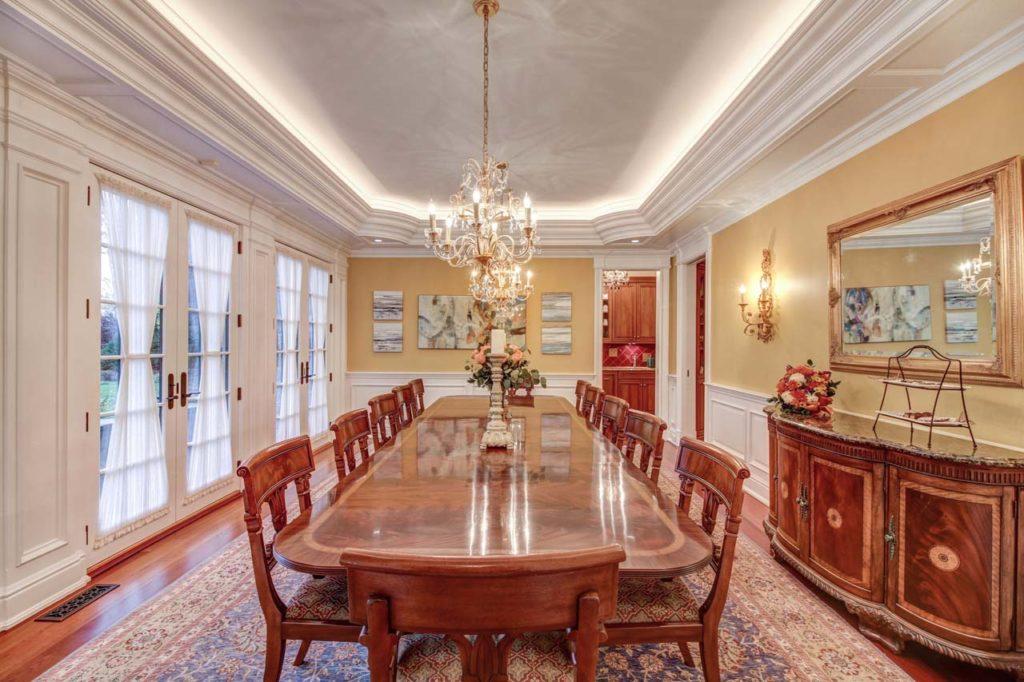 10 - Formal Dining Room (1 of 2)