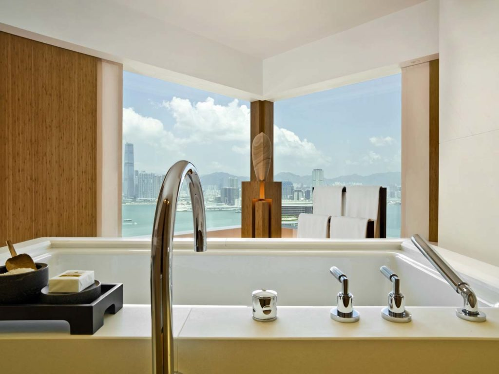 The Upper House_Studio 70 Bathroom day