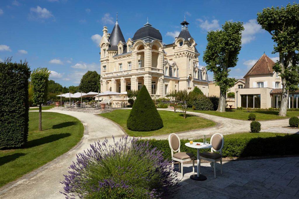 Château Grand Barrail -ExteriorDuringDay