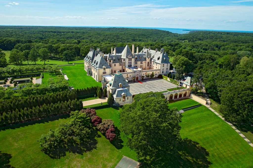 Oheka Castle -A7U2961-Front View Aerial
