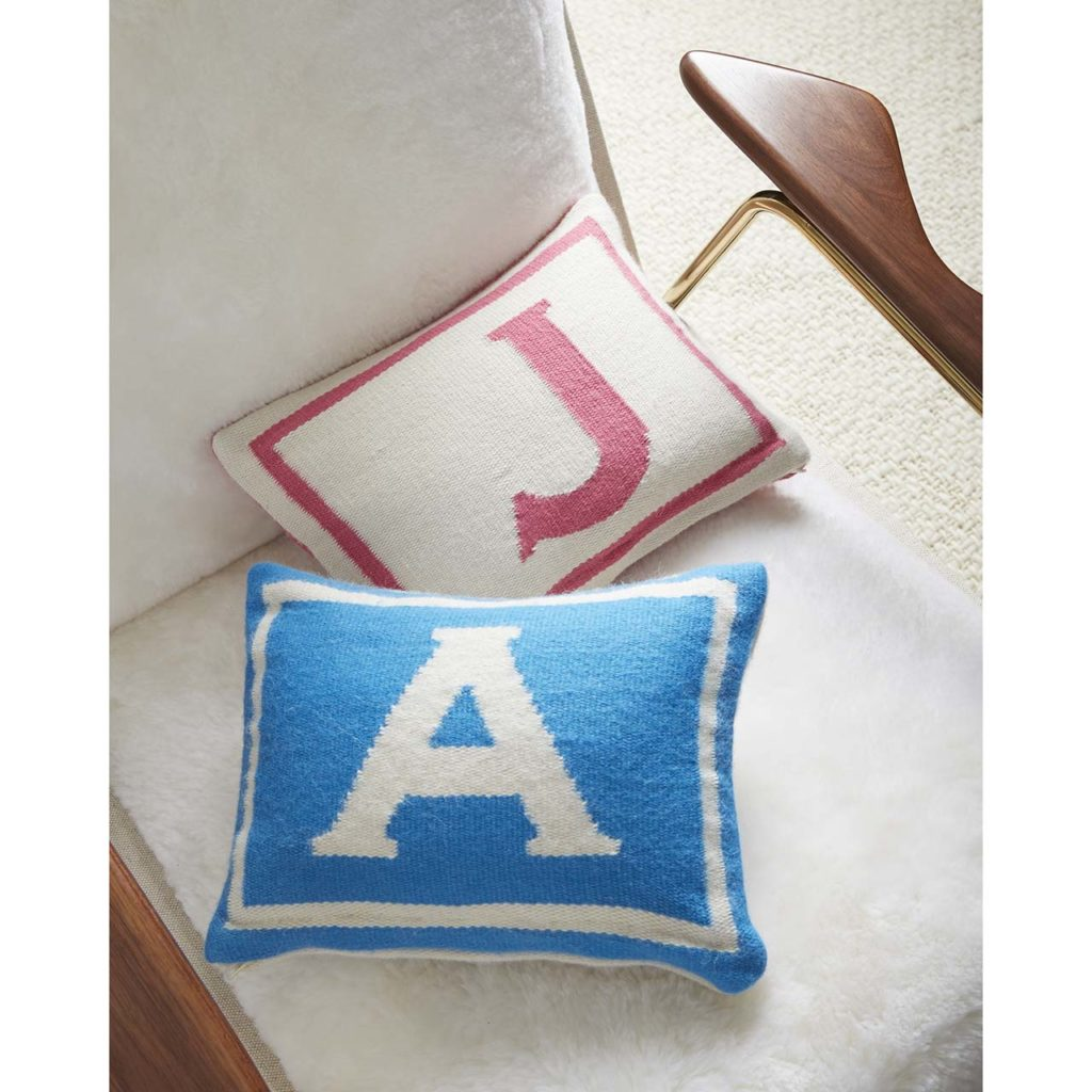 WEB17_Junior_Pillows_A