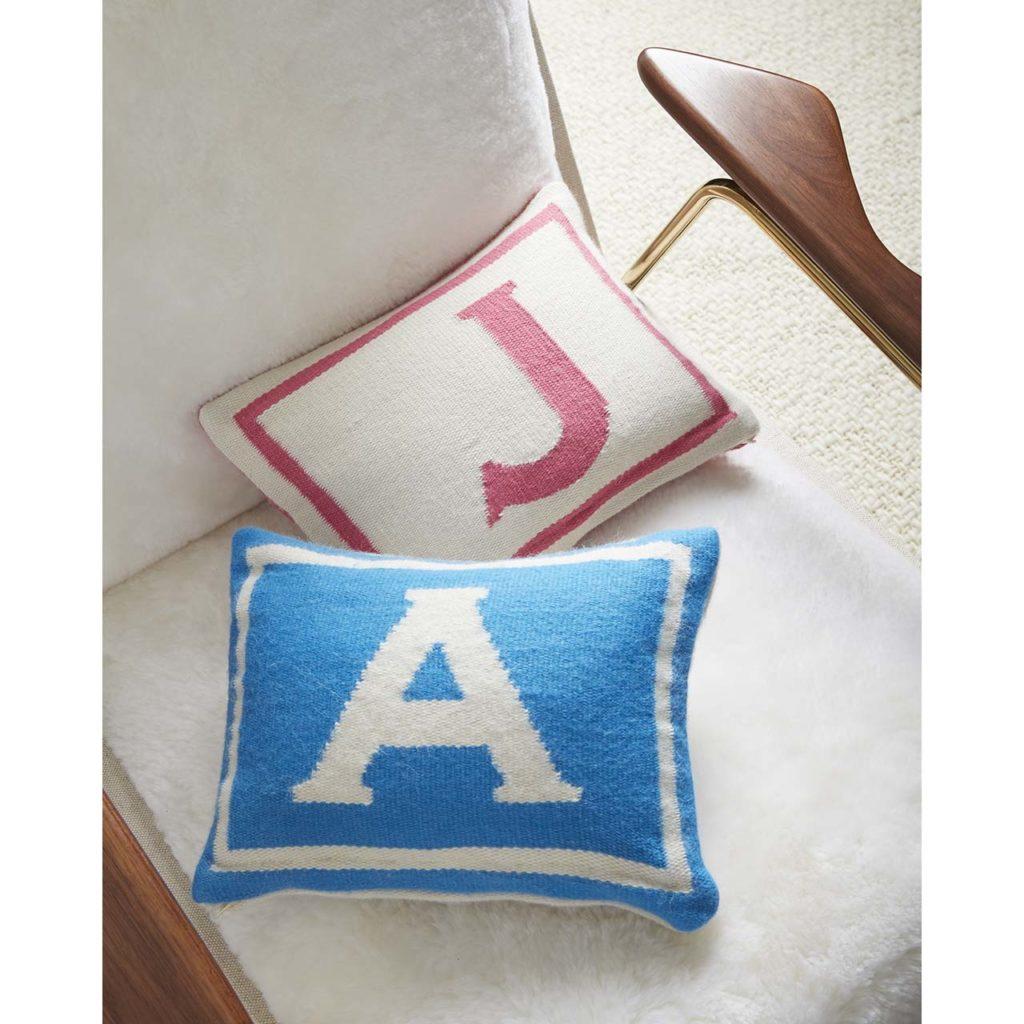 WEB17_Junior_Pillows_A