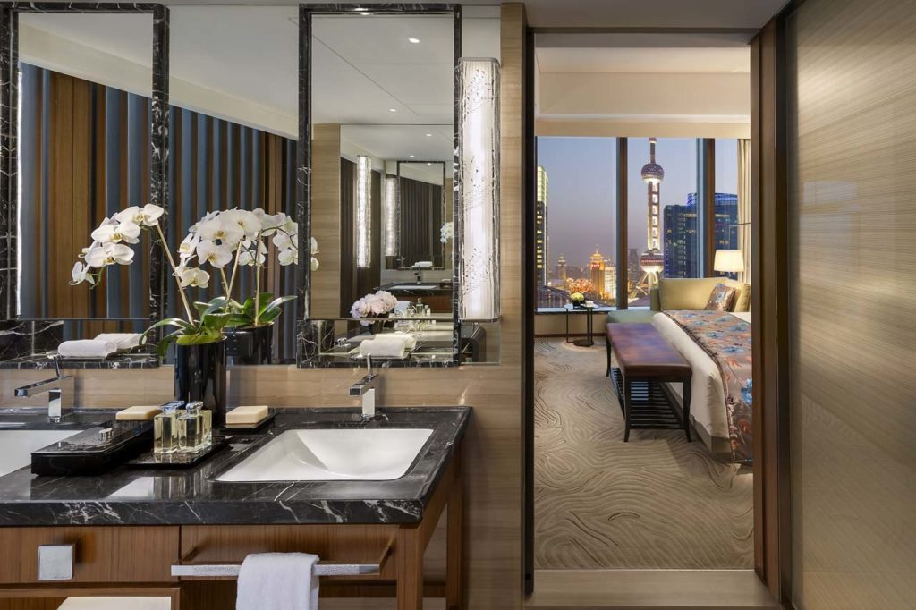 WHERE TO STAY-Madarin Oriental-shanghai-suite-pearl-tower-bedroom-George Apostolidis
