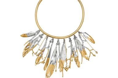 louis-vuitton-lv-feathers-crew-necklace-fashion-shows--MP2409_PM2_Front view