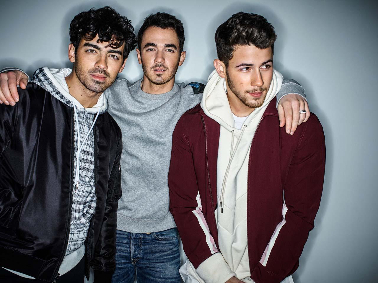 jonas-brothers-band