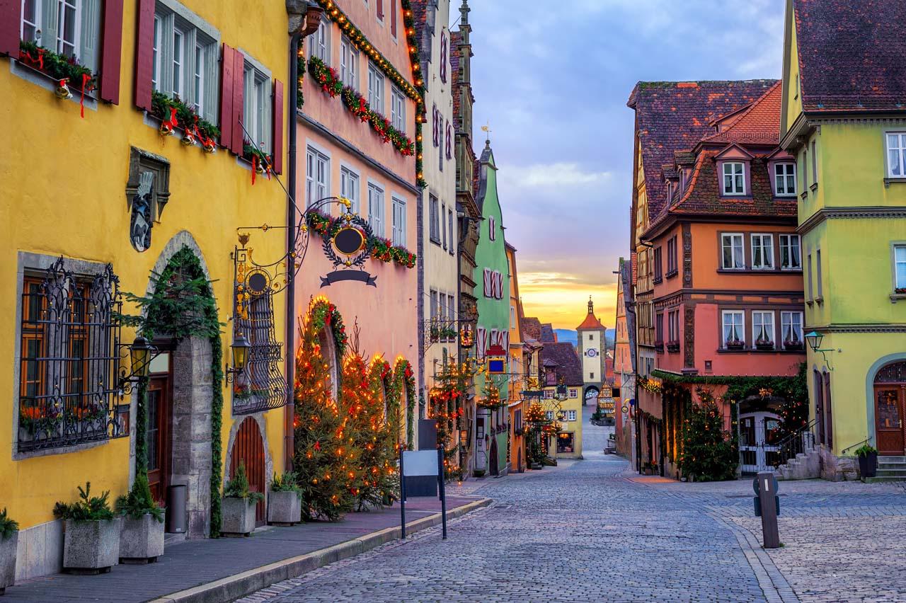 Rothenburg ob der Tauber-shutterstock_791696305